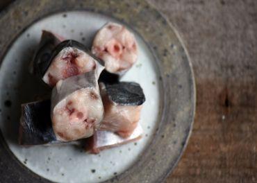 馬加魚魚肉骨