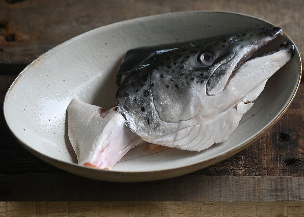 鮭魚頭 含下巴