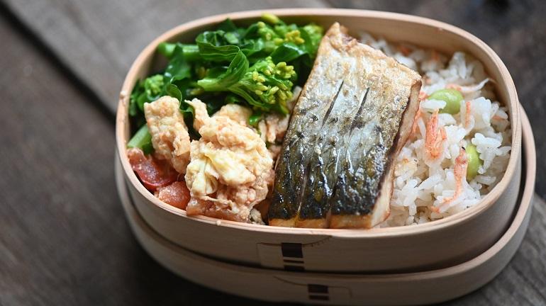 魚便當|櫻花蝦乾炊飯佐香煎烏魚魚排