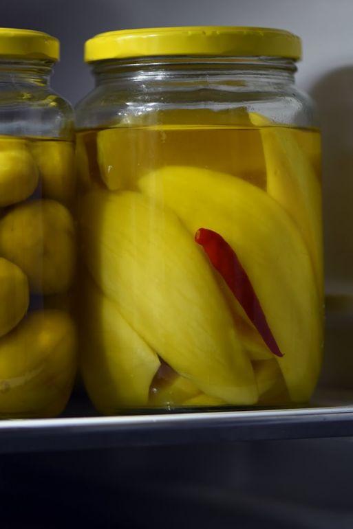 南洋風醃漬薑黃青芒果