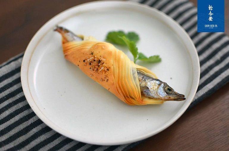 中式柳葉魚麵包