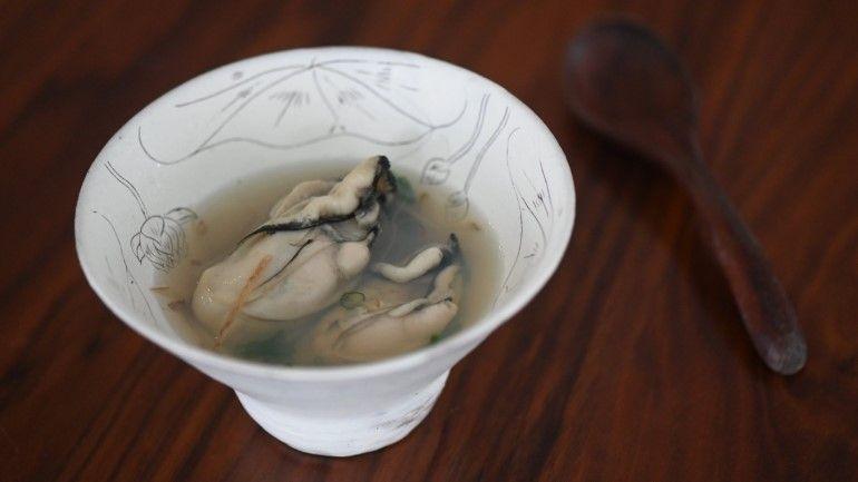 柴魚昆布薑絲牡蠣湯