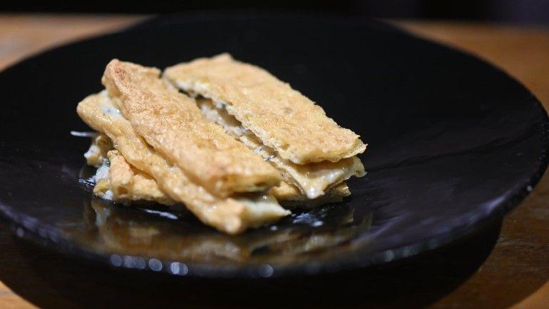 烤豆皮夾藍紋起司